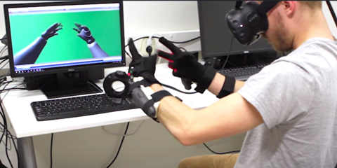 ManusVR帮我们把手伸进了虚拟世界  实时跟踪手臂来了