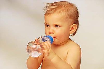 宝宝不爱喝水如何解决