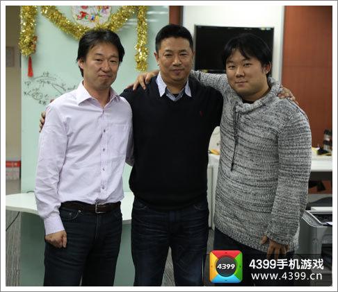 DeNA中国CEO王勇、DeNA中国新任CEO任宜亲密合影