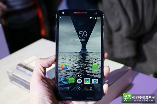 Moto X极正式发布 4年碎屏保修5288元
