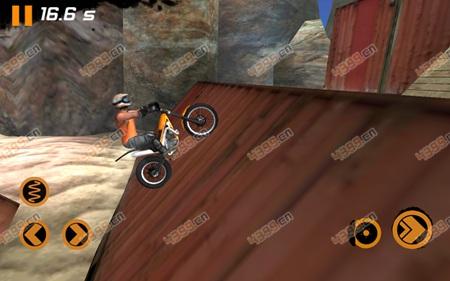 极限摩托2上坡