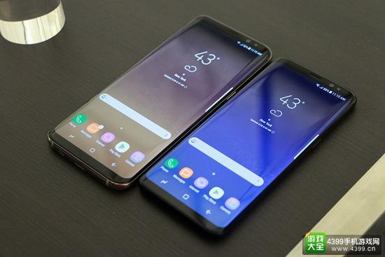 三星S8和S8+在外观上相比此前的S6和S7有了很大的变化,其中最为明显的便是额头和下巴的收窄,这让两款新机的屏占比有了极大的提升,达到了84%,加上从S6 edge开始的曲面屏幕,带来了极其宽广的视野。S8的屏幕大小为5.8英寸、S8+则为6.2英寸,二者的分表率均为2K级别,值得一提的是,本次的屏幕长宽比不再是此前的16:9,而变成了18.