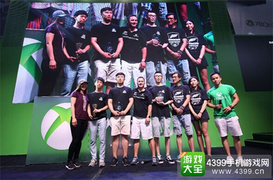 Xbox 终极电竞赛事现场打响