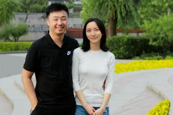 """暖心游戏""""夫妻档""""制作人:文立和锦枫"""