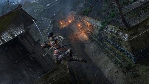 《隻狼》游戏中利用钩索飞跃