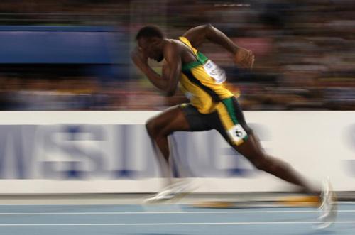 世界上跑得最快的男人不是运动员 而是一个管道工