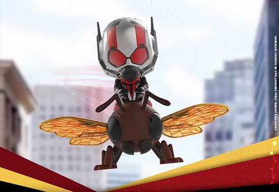 随着将于7月6日在美国上映的《蚁人2:黄蜂女现身》时间的临近。HotToys相继推出了多款蚁人和黄蜂女手办模型,其中包括蚁人1:6比例珍藏人偶和黄蜂女1:6比例珍藏人偶两款。仿真人版的有了,Q版怎能落下。HotToys旗下主要以热门电影角色为主要原型设计的各种Q萌可爱手办的COSBABY系列也推出了蚁人2周边COSBABY可动人偶,继续以萌爆的baby form形态和Bobble-head摇头姿态俘获漫迷。整套手办预计2018年第3季度发货,目前价格尚未公布。