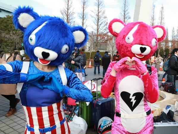 堡垒之夜同人cos作品 红熊和蓝熊