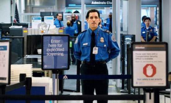 美国入境搜查更为严格 QQ与微信或在被查之列